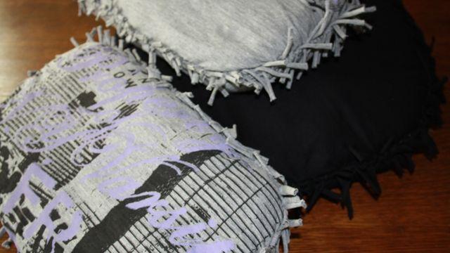 Création d'un coussin sans couture.