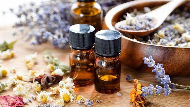 Fabriquer ses produits naturels aux huiles essentielles