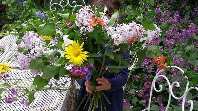 Atelier d'art floral pour enfants.