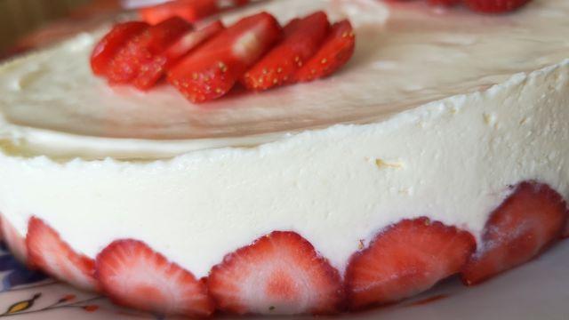 Fraisier et charlottes aux fraises