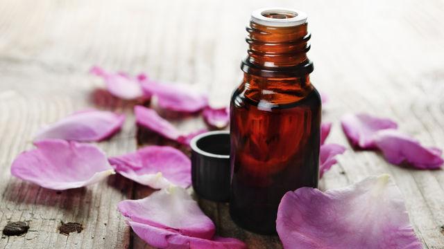 10 huiles essentielles pour débuter en aromathérapie
