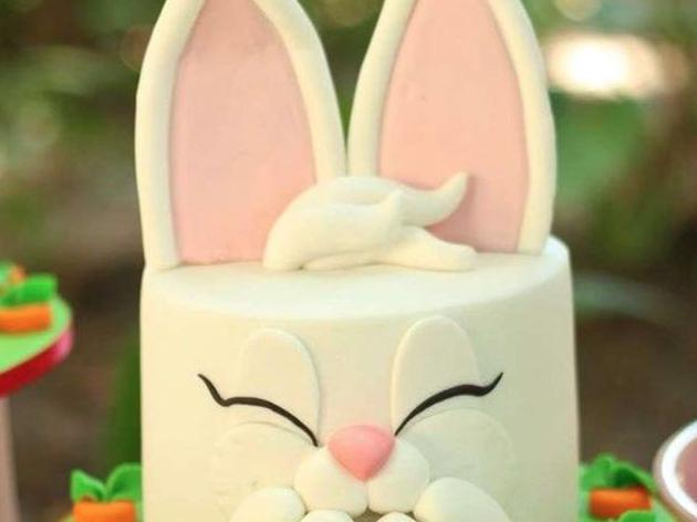 G teau de p ques d cor en p te sucre atelier cake design par l 39 atelier patachou - Gateau pate a sucre paques ...