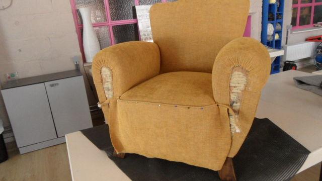 Garnissage de fauteuil à l'ancienne