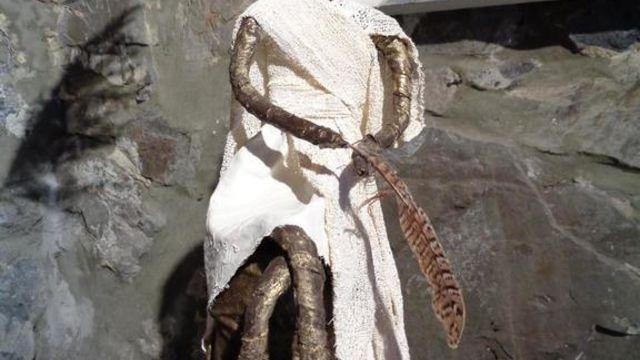 Création d'une statuette avec bras et jambes(Powertex)