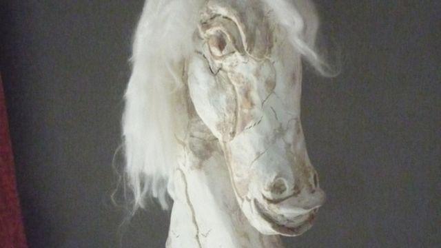 Tête de cheval: Powertex effet craquelé